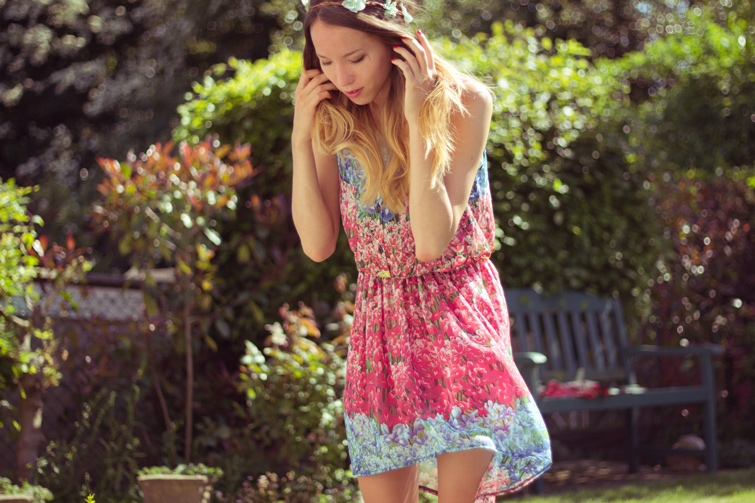Summery outfit - floral shirt dress and flower headband