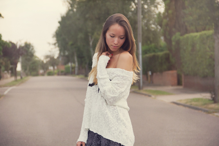 Oversized off shoulder jumper