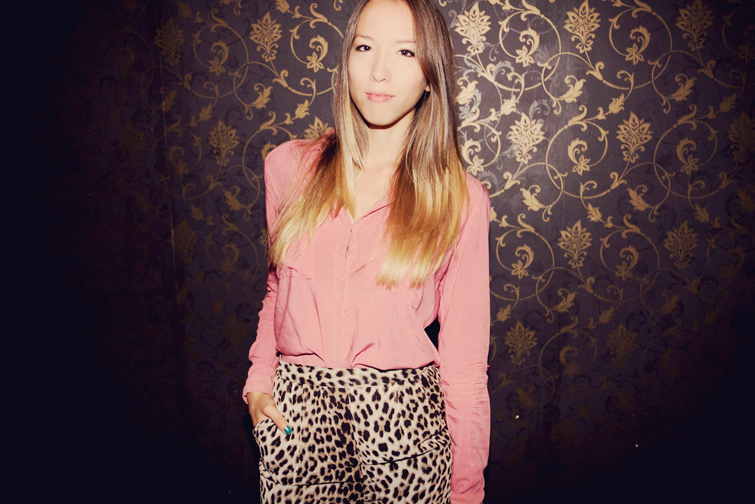 Pink shirt and animal print