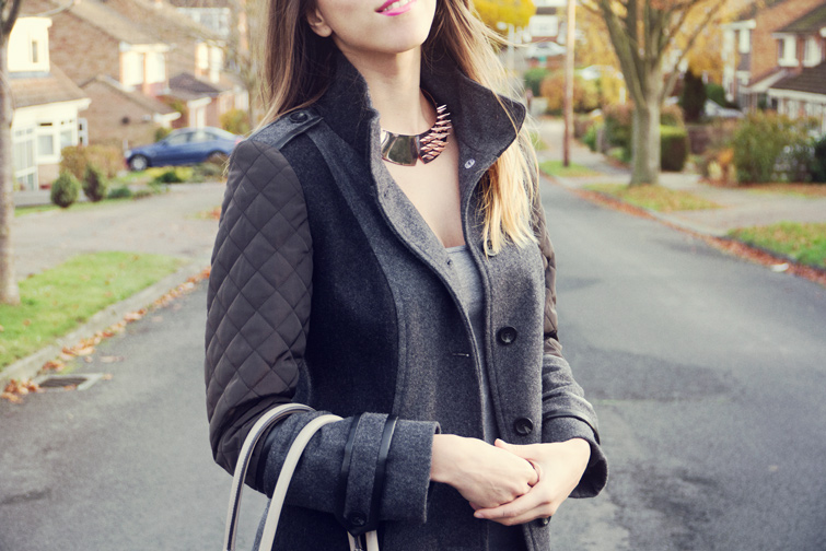 Spiked collar necklace