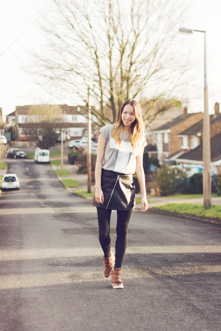 Leather skirt outfit - casual daytime