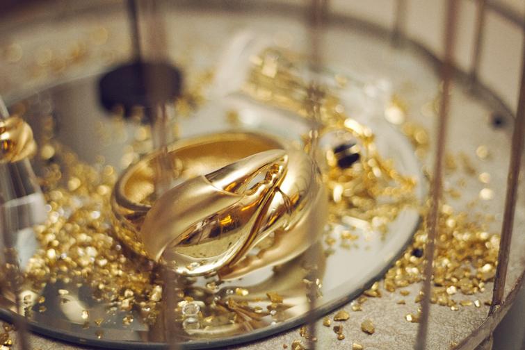 Gold jewellery photos