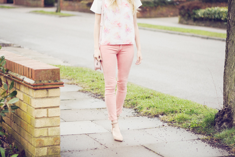 Pastel pink spring outfit