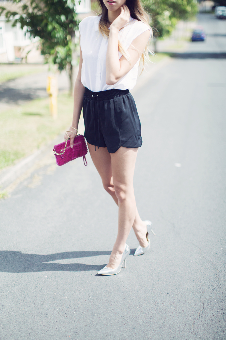Fashion bloggers silver shoes