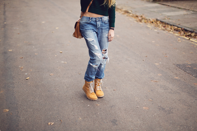 how to wear timberland boots with jeans
