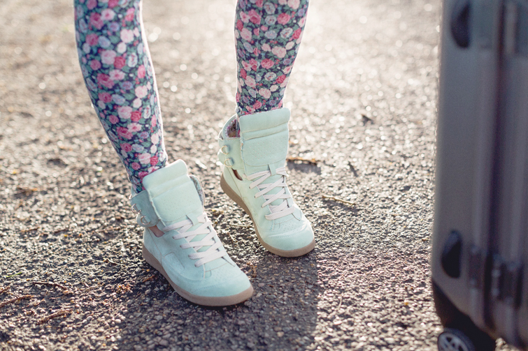Girl in the Lens | Forever 21 mint cut out trainers