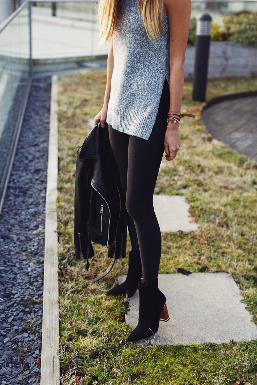 Black leggings outfit ideas